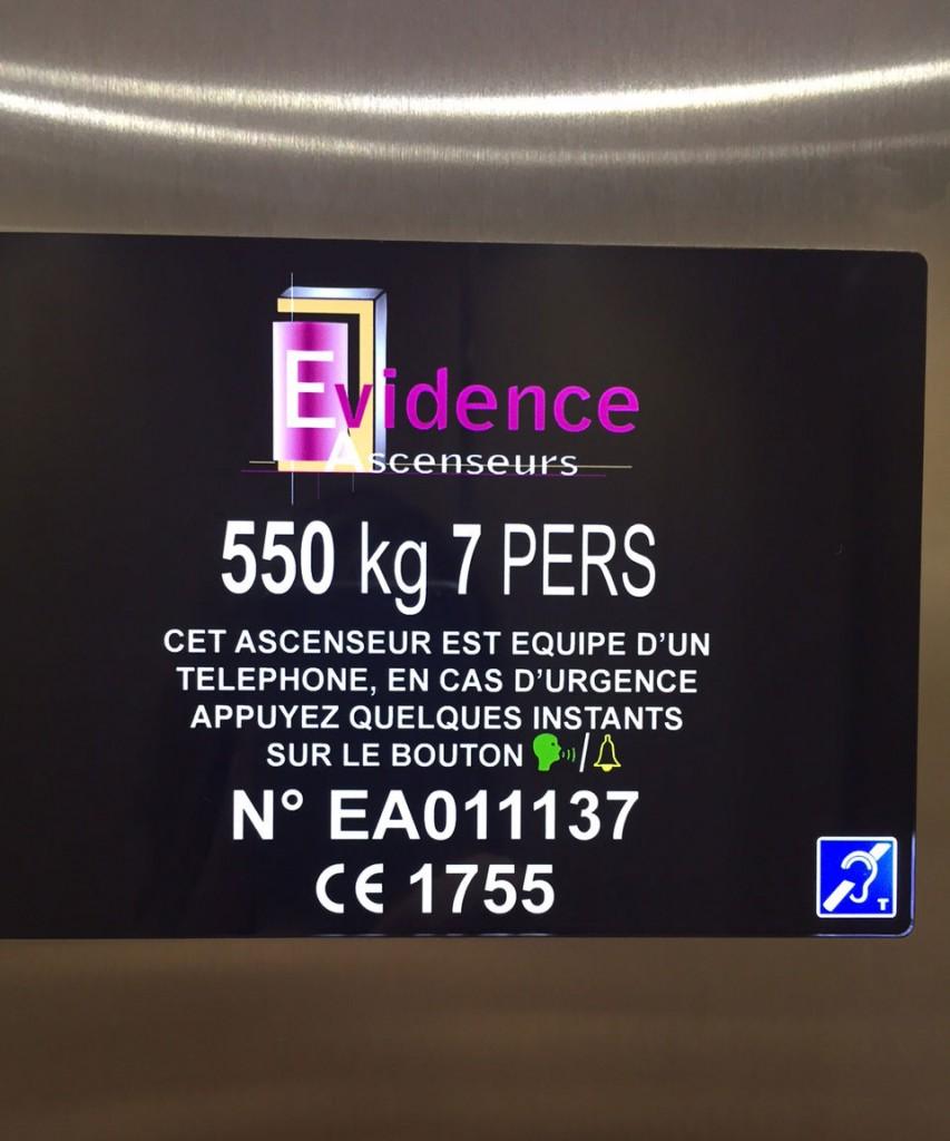 écran LCD ascenseur